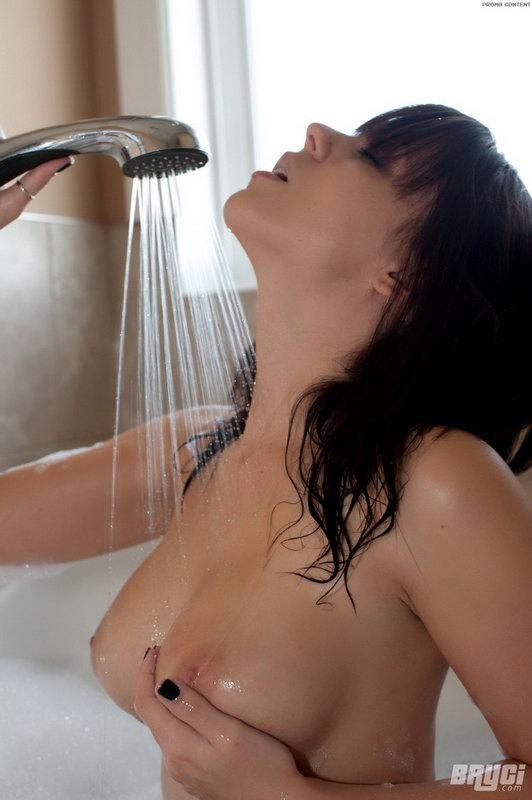 Katie Banks - Warm Bath