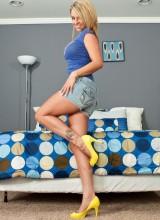 Nikki Sims