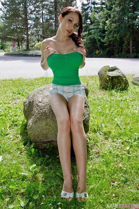 Katie Banks - On The Rocks