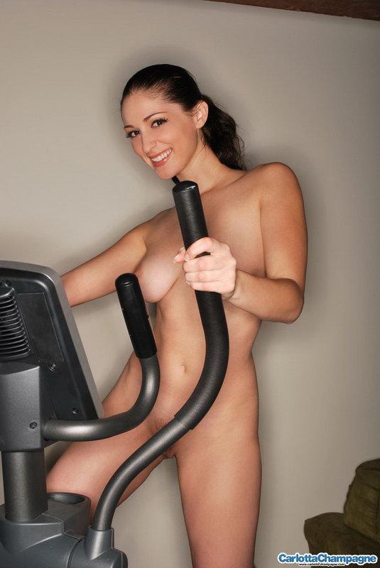 Carlotta Champagne - Sexy Workout
