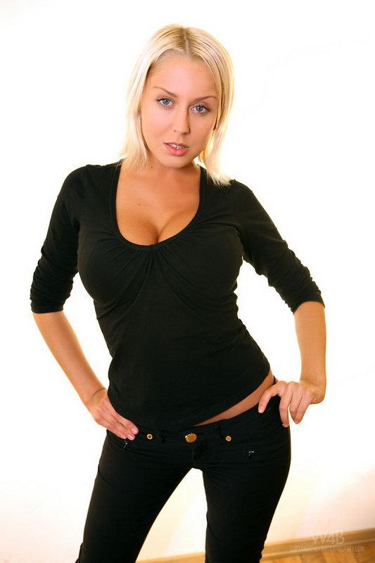 Mandy Dee - Casting