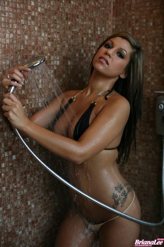Briana Lee - Sexy Shower