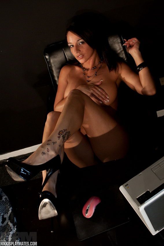 Nikki Sims Is A Dirty Girl In The Office. Stripping Down Naked And Photocopying Her Boobs