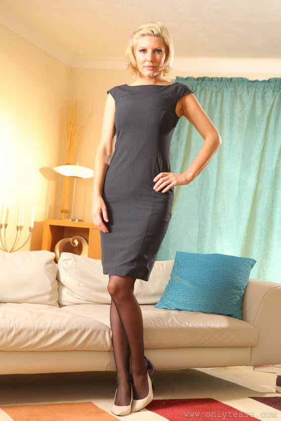 Onlytease: Nicole Looking Glorious In Tight Grey Mini Dress