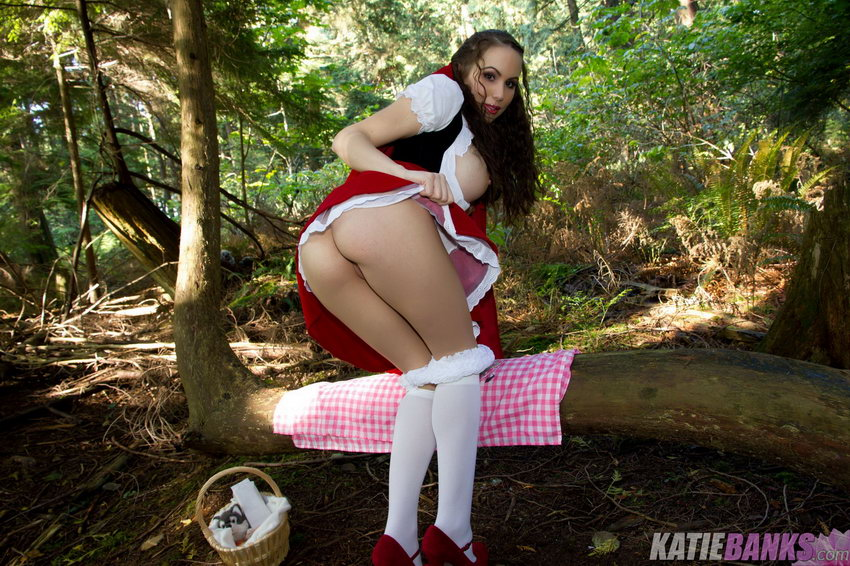 Katie Banks - Little Red Riding