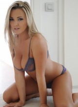 Jodie Gasson 6