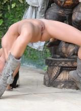 Amia Miley 9