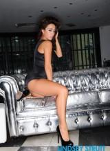 Lindsey Strutt 3