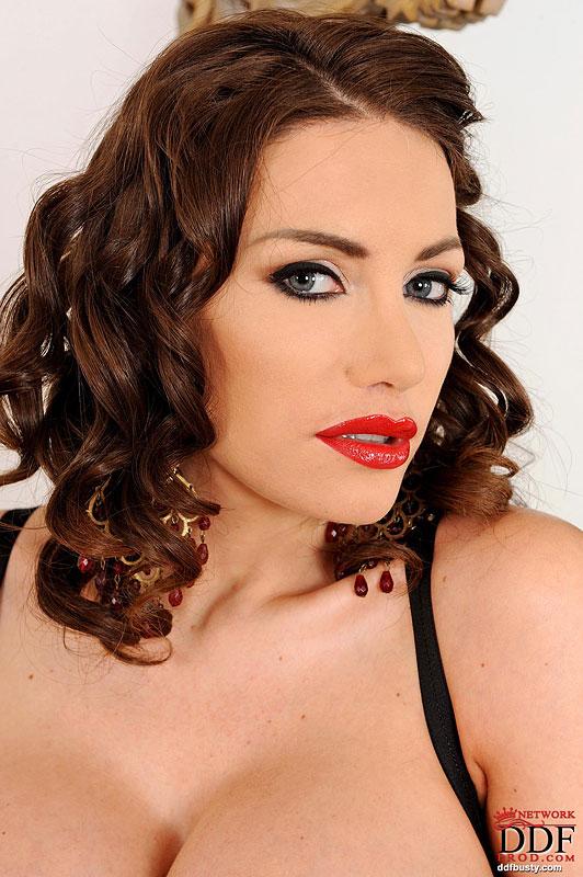 Ddf Busty: Clanddi Jinkcego - Buxom Beauty Lovin The Mirror!