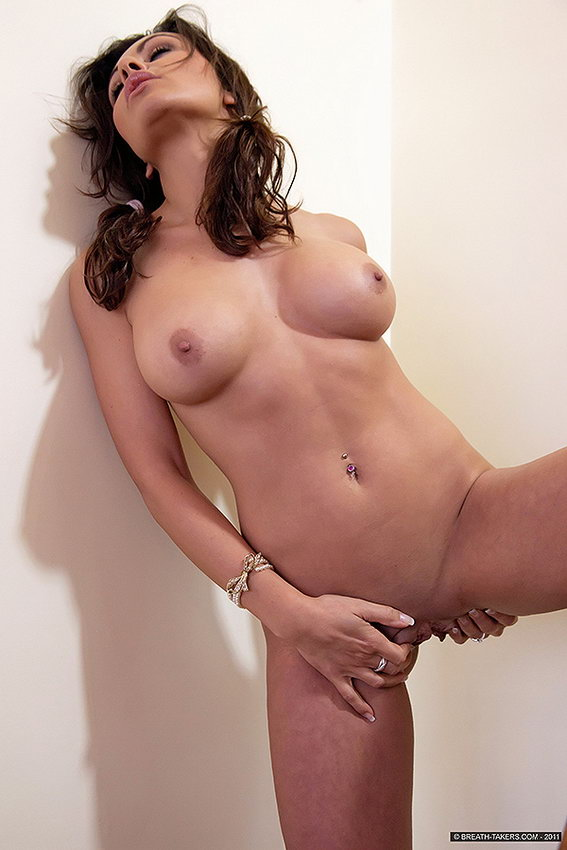 Breathtakers: Gina - Classic