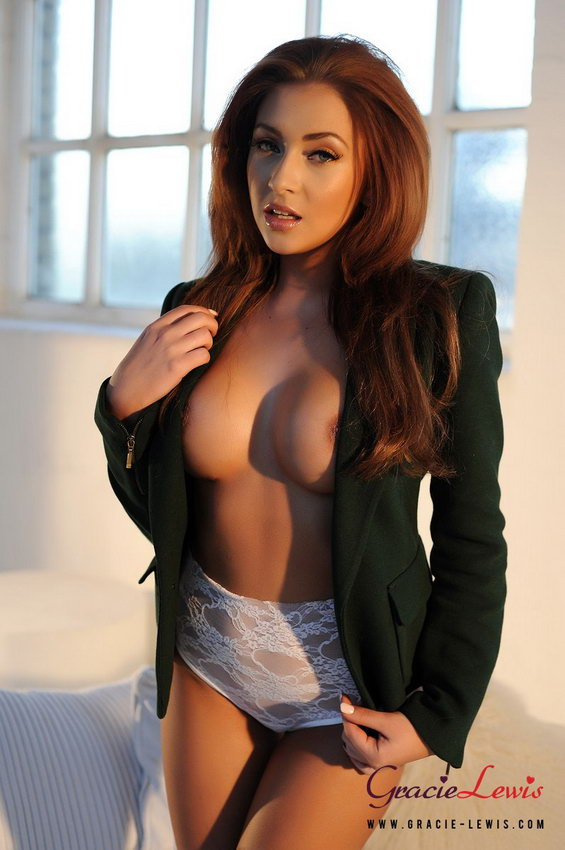 Gracie Lewis Strips From Her Green Jacket