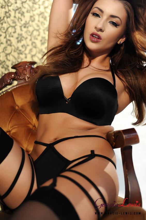 Gracie Lewis Looking Lush In Her Black Lingerie And Stockings