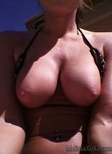 Melissa XoXo - Self Shot Tanning