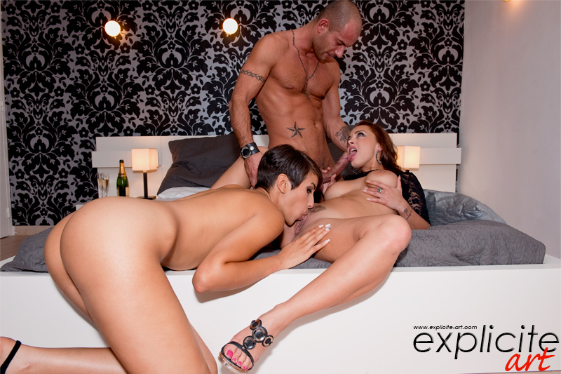 Explicite-art: Liza Del Sierra, Jasmine Arabia And Mike Angelo - Crazy Anal Threesome