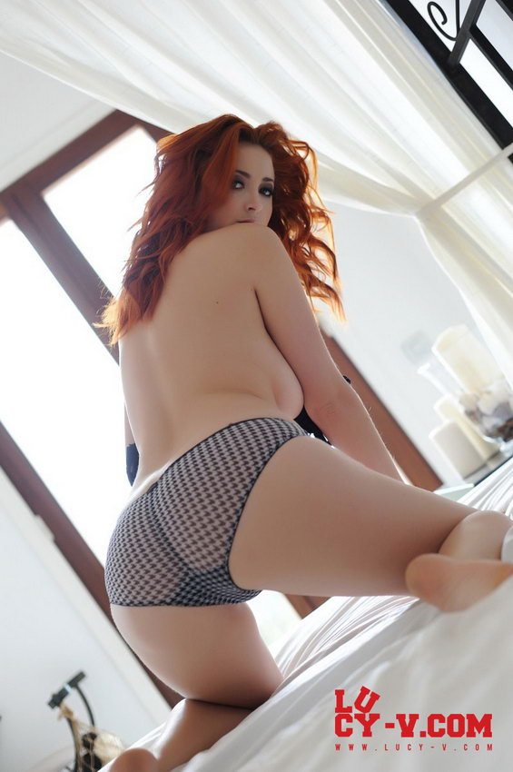 Lucy V Looking Natural In Her Bra And Panties On Her Bed