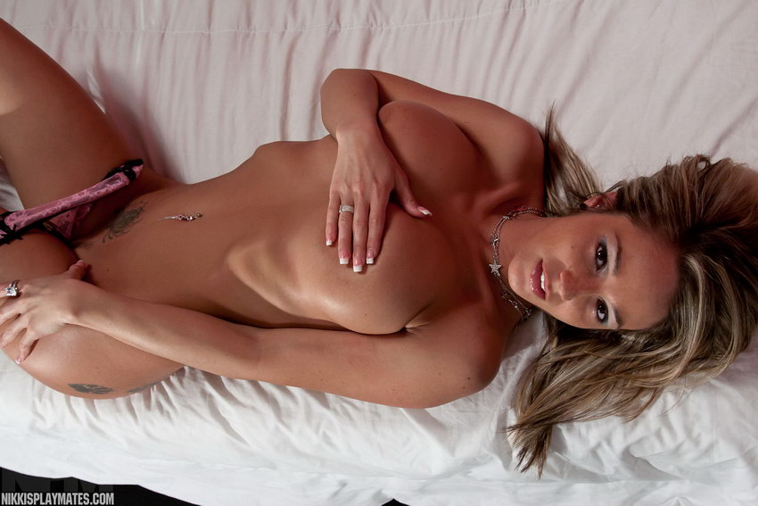 Nikki Sims - Heels On The Bed