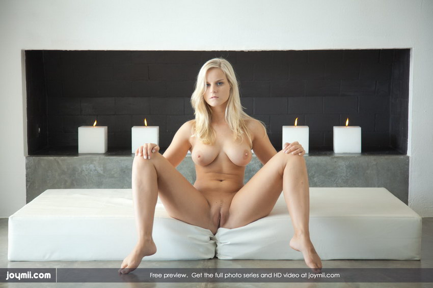 Joymii: Miela - Blonde Ambition