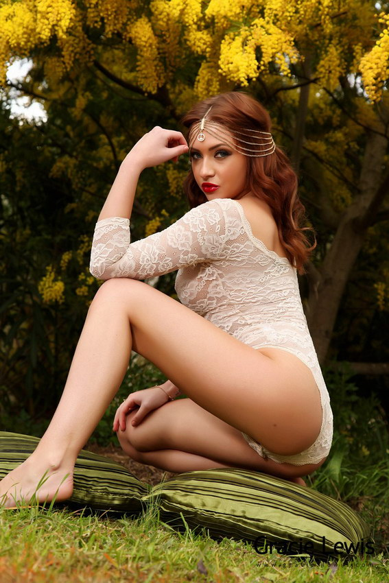 Gracie Lewis Gets Comfy In The Garden And Peels Off Her White Bodysuit