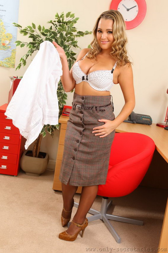 Wonderful Blonde Jodie Gasson In Tight Pencil Skirt And Stockings