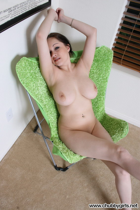 Chubby Girls: Haley Gets Naked
