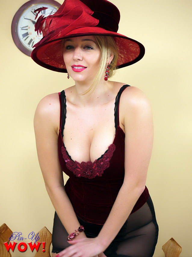Pin-up Wow: Heavenly Blonde Business Lady In Corset And Stockings Stripped By A Passing Train