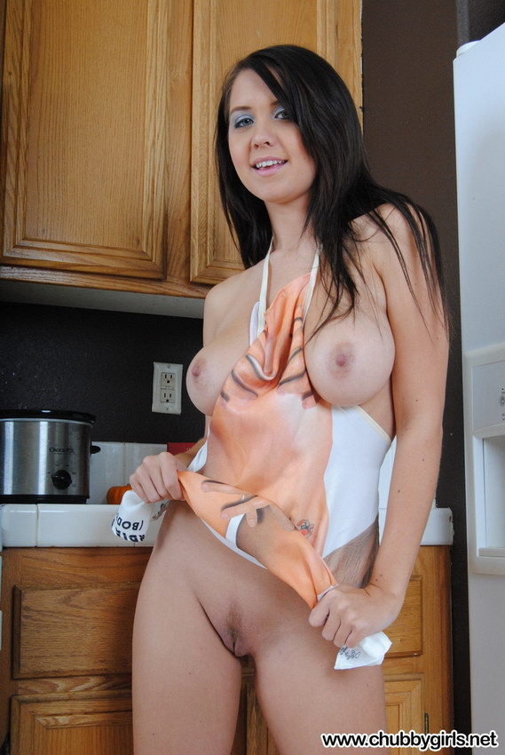 Chubby Girls: Chrissy Plays With Herself In The Kitchen