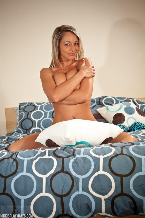 Nikki Sims - Cutie In Bed