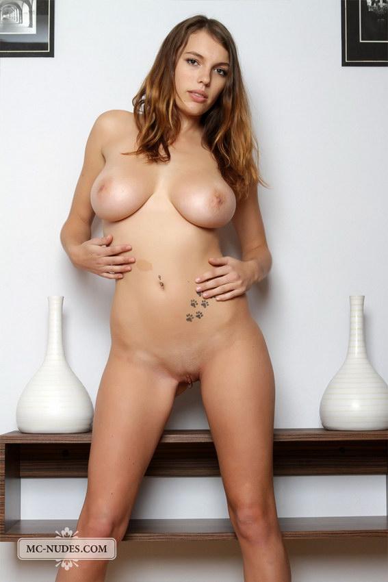 Mc-nudes: Samantha - First Session