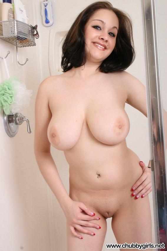 Chubby Girls: Chubby Girl In The Shower