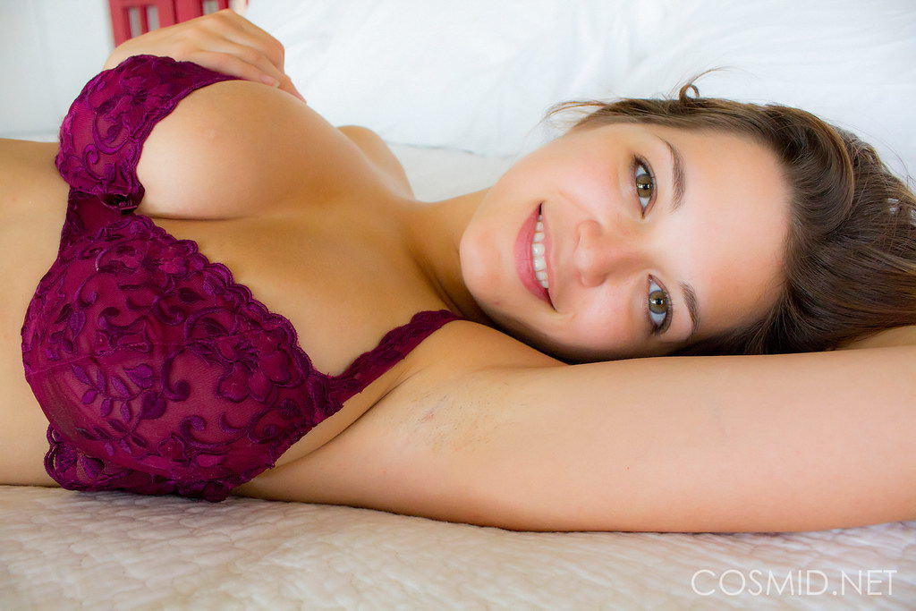 Cosmid: Tessa - Lying In Bed