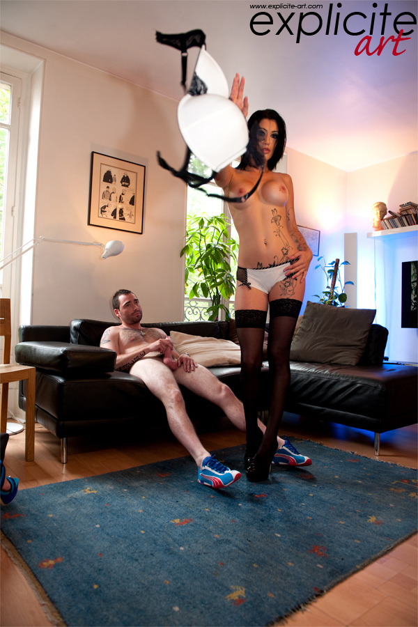 Explicite-art: Kenza Sucke Having Hardcore Sex With Ricky Manccini