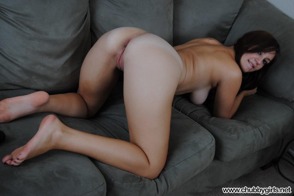Chubby Girls: Samantha In Hot Black Lingerie