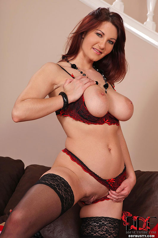 Ddf Busty Busty Redhead Vanessa Poses In All Red  Web -9922