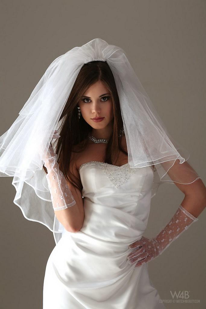 Watch4beauty: Little Caprice – Wedding | Web Starlets
