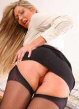 OnlySecretaries: Lexi Lowe strips off in the office