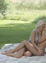 Mary & Anneli 14