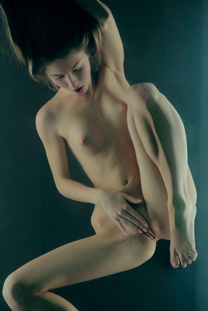 h-art-studii-erotika