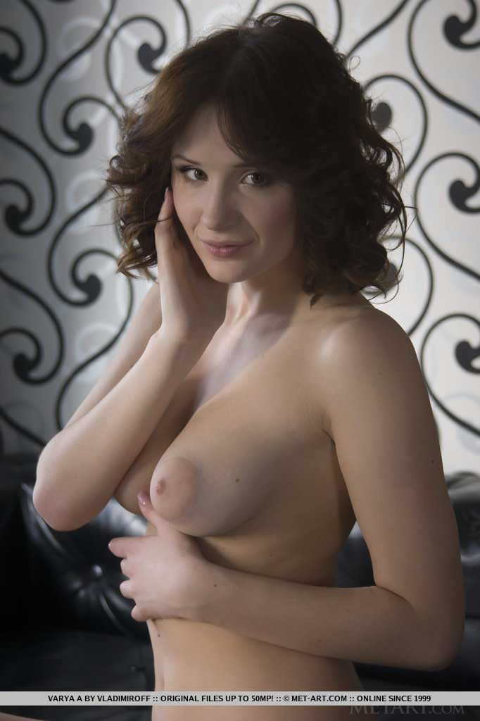 Met-art: Varya Shows Off Her Gorgeous With Her Large, Puffy Breasts