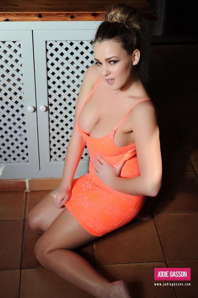 Jodie Gasson Strips Nude From Her Tight Orange Dress