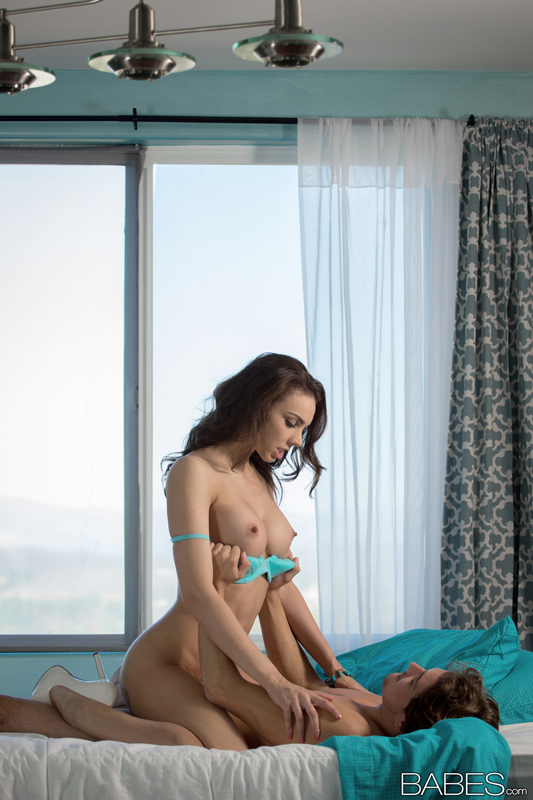 Babes Network: Tiffany Tyler - Heels & Teal