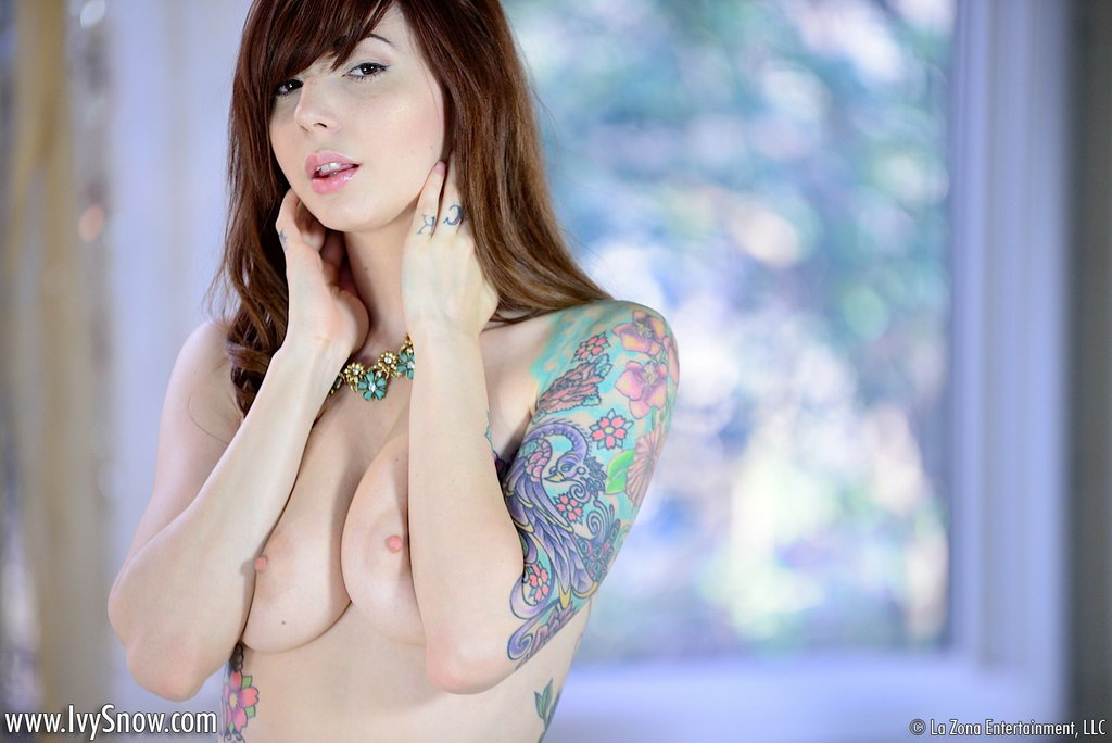 into-ivy-snow-naked-pics