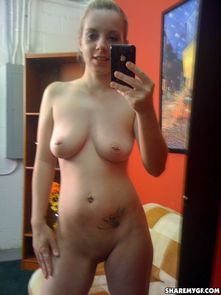 Share My Gf: Sara - Mirror Fun