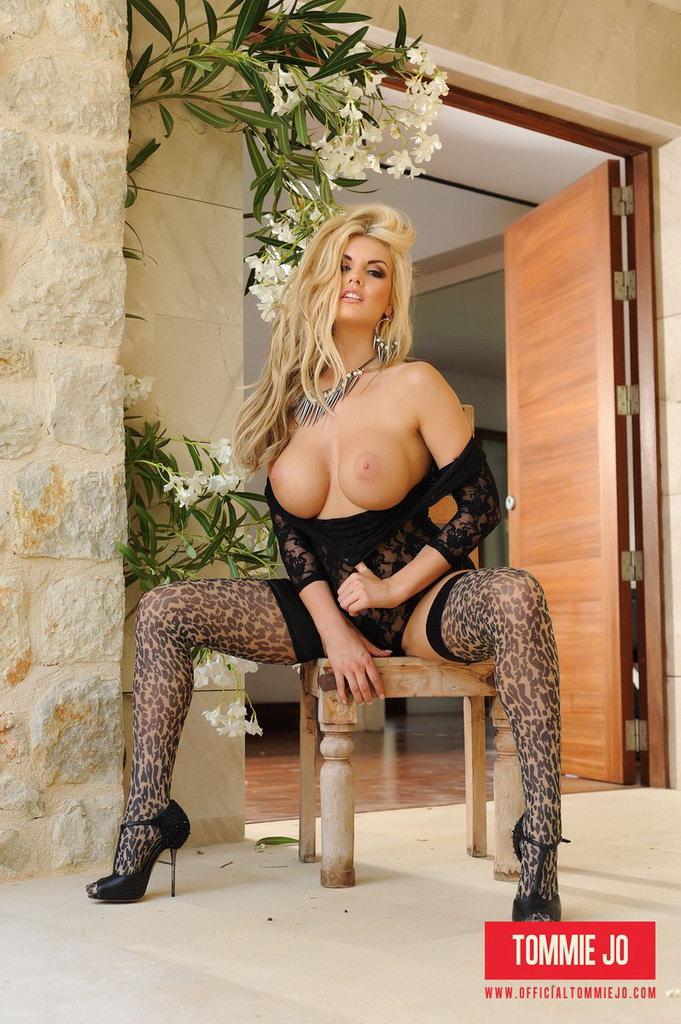 Tommie Jo Strips Naked From Her Black Bodysuit
