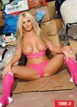Tommie Jo Strips Her Hot Pink Bikini