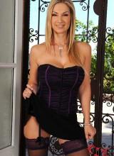 Carol Goldnerova 1