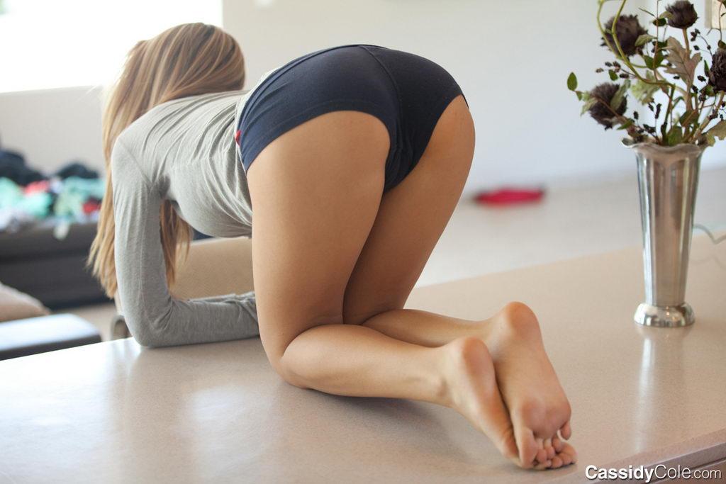 Порно в шортах фото