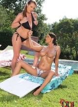LaTaya Roxx & Sheila Grant 4