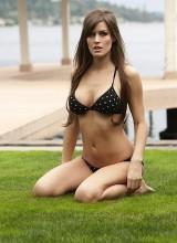 Femme Eden 1