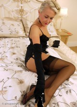 Pin-Up Wow: Lucy-Anne Brooks - Waiting for You