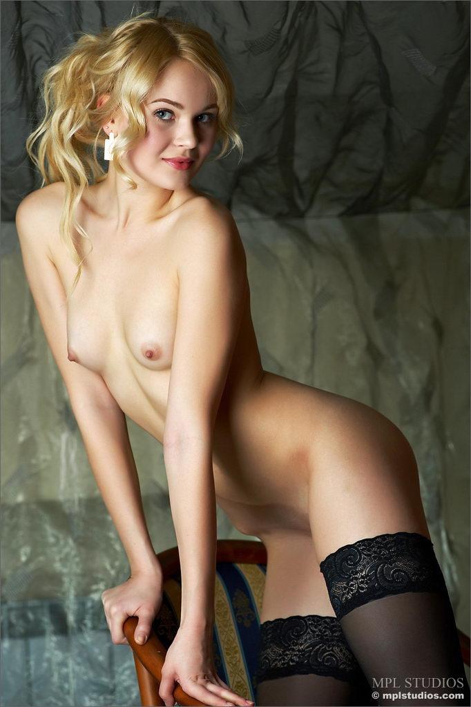 petite girl fake tits